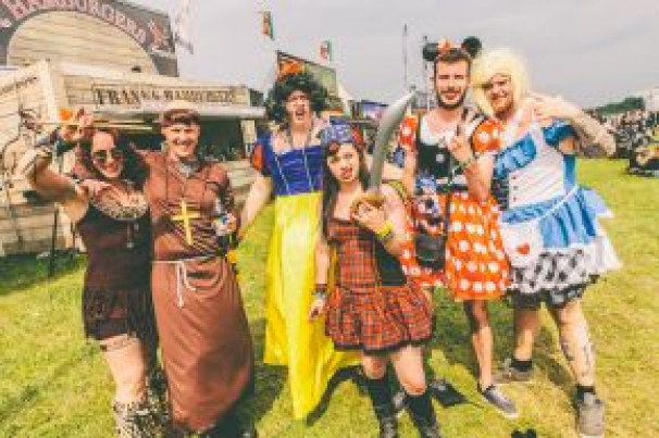 Download 2015: Fancy Dress, Face Paint And Fans Galore!